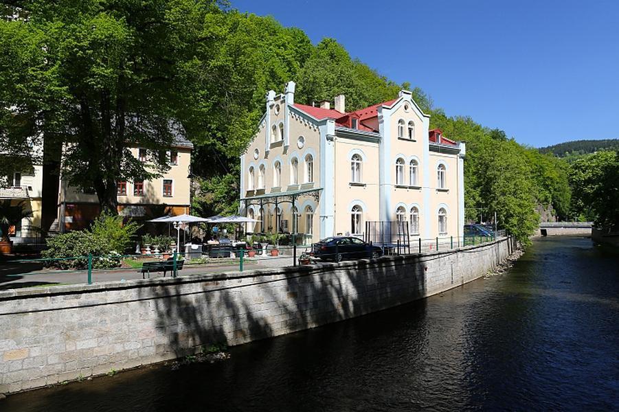 VILLA-BASILEIA-Karlovy Vary